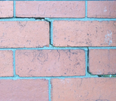 Stepped Crack is a sign of failing wall ties - Rem-tie Ltd in North East, Newcastle, Durham, Sunderland, North Shields.